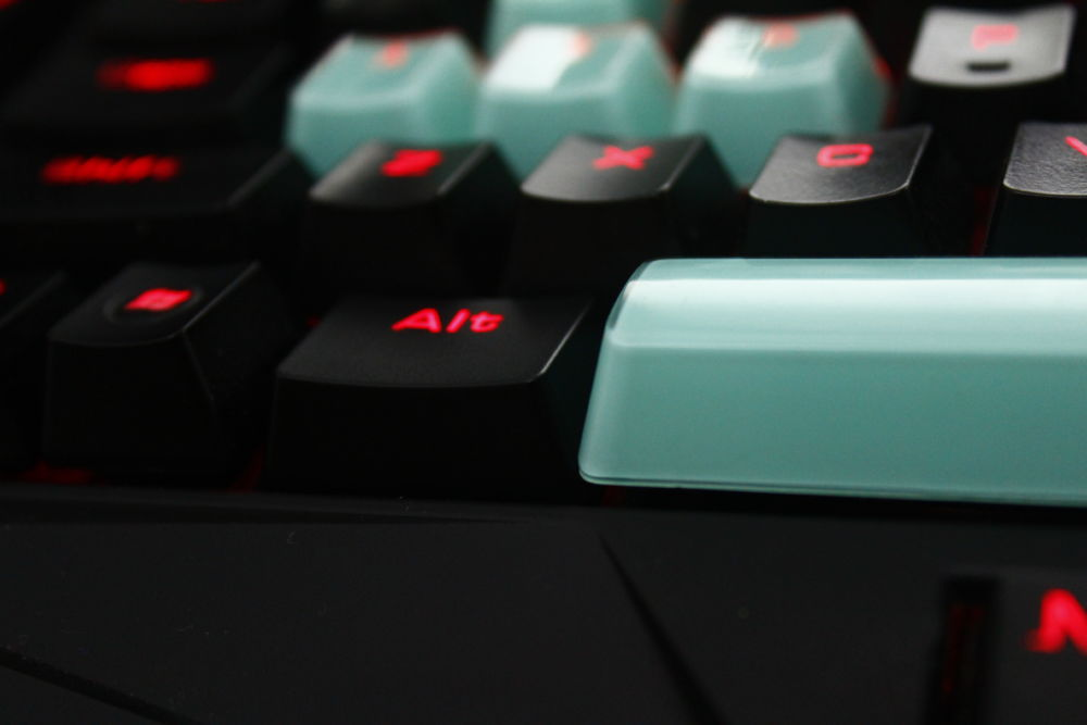 Review - Gigaware 104 PBT Glass-Coated Keycaps - Back2Gaming