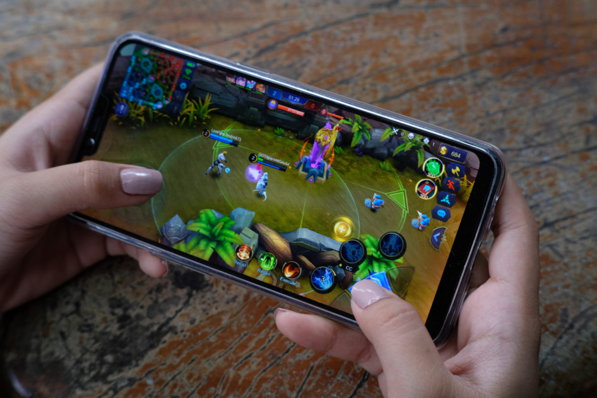 RealMe C1 Entry Level Smartphone Review - Back2Gaming