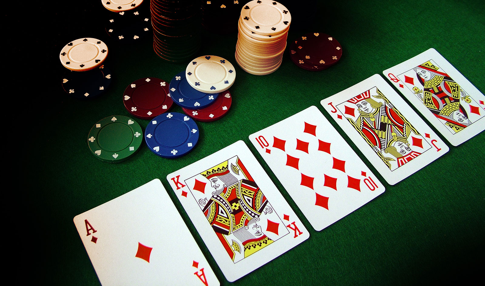 A Beginners Guide on How to Play Poker Online - Back2Gaming
